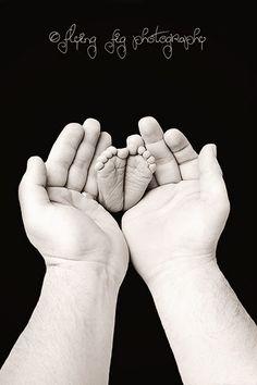 Newborn photography - vintage inspired newborn portraits #photography #studio