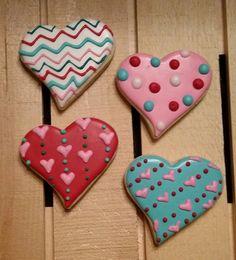 Chevron and Polka Dot Hearts - One Dozen Valentine's Day Sugar Cookies, Heart Cookies, Fun Cookies, How To Make Cookies, Cupcake Cookies, Xmas Cookies, Easter Cookies, Decorated Cookies, Valentines Baking