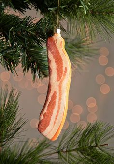 "Forget that ""Find The Pickle"" tradition. We gonna ""Find The Bacon"" in this family. 'Tis the Sizzle Ornament, #ModCloth"