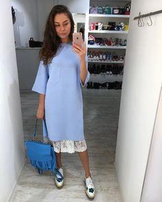 1,522 отметок «Нравится», 141 комментариев — SHITRENDY (@shi_trendy) в Instagram: «Платье over size в нежно голубом и розовом цвете Майки кружево в белом и чёрном цвете,под…»