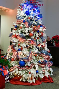 Patriotic Christmas Trees.25 Best Patriotic Decorated Trees Images Holiday Tree