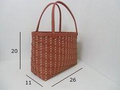 「バッグ」で作り方をマスター!~飛ばし編み~斜め模様
