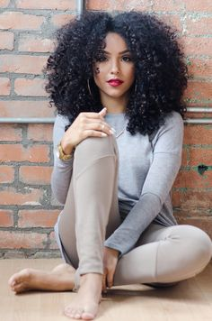 Gorgeous curls! www.talktresses.com