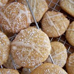 Old German Honey Cookies An old world recipe that will make your sweet tooth happy. Some of the best cookies recipes come from cup white cup cup Huckle Bee Farms Wild Flower Raw teaspoon vanilla extra… German Christmas Cookies, German Cookies, German Butter Cookies Recipe, Best Cookie Recipes, Holiday Recipes, Christmas Recipes, Holiday Baking, Christmas Baking, Cookie Desserts