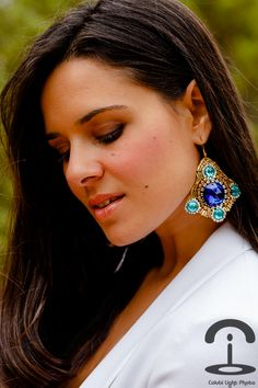DIY Embellished Earrings | Crímenes de la Moda en stylelovely.com