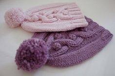 This hat is a quick and fun project that allows you to use a whole ball. It has a bit of slouch, and will fit most women's head. The combination of twine and bobbles give it a special touch, and the pompom, made with the yarn that is left, completes the picture.