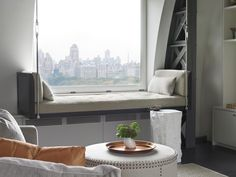 Central Park West Penthouse in Manhattan, New York City, USA – Home Design Farmhouse Side Table, Farmhouse Kitchen Decor, Home Upgrades, Living Room Designs, Living Spaces, Minimalist Window, Buying A New Home, Central Park, Small Apartments