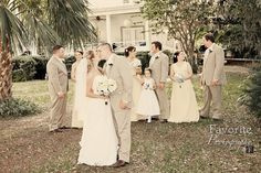 © Favorite Photography | Wedding Wedding Wedding | Bride and Groom | Wedding Photography | Bridal Party