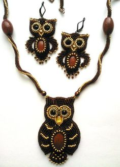 Beaded Earrings and necklace owl with cabochan body