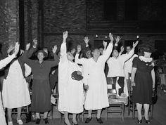 chicago 1938 | ... of the Pentecostal church praising the Lord, Chicago, Illinois, 1941