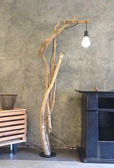 lampadaire bois flotté
