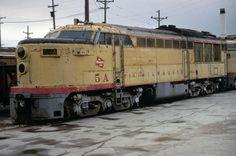 "Milwaukee Road FM ""Erie Built"" 5A Ektachrome Slide | eBay Old Trains, Vintage Trains, Train Museum, Milwaukee Road, Union Pacific Railroad, Rail Transport, Bonde, Railway Museum, Covered Wagon"