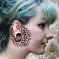 Inked Select Artist: Dots To Lines (Chaim Machlev) of Berlin, Germany specializes in fractal blackwork. Face Tattoos For Men, Face Tats, Facial Tattoos, Body Art Tattoos, Tattoos For Guys, Tatoos, Tattoo Art, Sweet Tattoos, Wrist Tattoo
