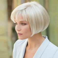 Pixie Haircut For Round Faces, Round Face Haircuts, Haircuts With Bangs, Short Bob Hairstyles, Wig Hairstyles, Chin Length Hairstyles, Wedge Bob Haircuts, Medium Haircuts, Short Angled Bobs