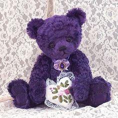 Teddy Kingdom - Artist Bears and Handmade Bears Purple Love, All Things Purple, Shades Of Purple, Pink Purple, Purple Stuff, Purple Teddy Bear, Purple Hands, Purple Christmas, Love Bear