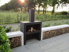 Backyard Pool Designs, Modern Backyard, Backyard Garden Design, Modern Outdoor Fireplace, Outdoor Fireplace Designs, Fire Pit Landscaping, Fire Pit Backyard, Outdoor Barbeque, Garden Deco