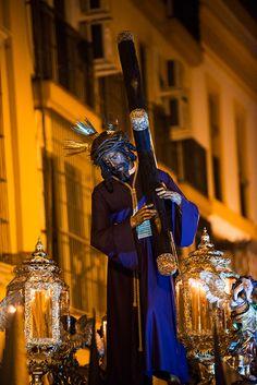 Semana Santa en Sevilla: 18 fotografías de La Madrugá 2014. Selección de imágenes de Juan López. Hermandad de La Macarena, Esperanza de Triana, Los Gitanos y El Calvario.