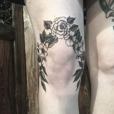 Floral knee for Ellis today. Thankyou again lovely!