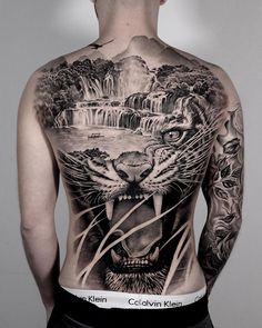 Find the tattoo artist and the perfect inspiration to get your tattoo. 13 Tattoos, Asian Tattoos, Body Art Tattoos, Girl Tattoos, Black Girls With Tattoos, Back Tattoos For Guys, Full Back Tattoos, Tattoo No Peito, Tiger Tattoo Sleeve