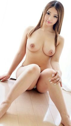 Naked women free pictures