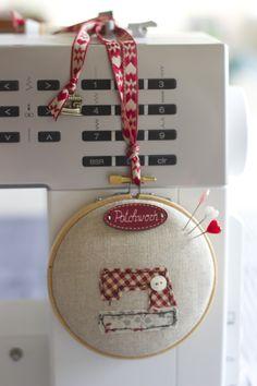 Cosiendo sueños - Alfiletero máquina coser