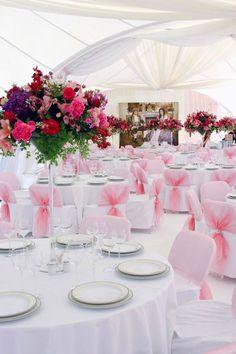 Tischdeko Hochzeit runde Tische                                                                                                                                                                                 Mehr