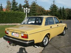 Volvo 244 DLS (1977) - one of thousand for East-/Berlin