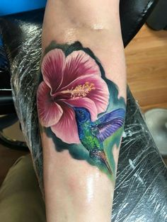 But with an iris You are in the right place about This! But with an iris Tattoo Design And St - Mom Tattoos, Great Tattoos, Sexy Tattoos, Beautiful Tattoos, Body Art Tattoos, Sleeve Tattoos, Tattoos For Women, Tatoos, Hummingbird Flower Tattoos