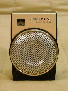 Old Antique Sony TR-650 Vintage Shirt Pocket Retro Transistor Radio - Working!