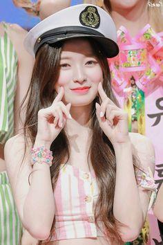 Arin Oh My Girl, Female Characters, Kpop Girls, Ulzzang, Asian Beauty, Girl Group, Cute Girls, Most Beautiful, Captain Hat