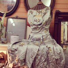 www.antiquetherapy.com Therapy, Victorian, Antiques, Business, Dresses, Fashion, Gowns, Moda, Antiquities