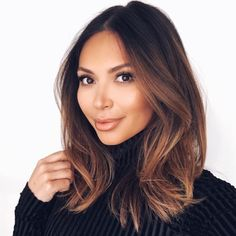 """""""#LetsBeHonest my favorite beauty look is minimal but classic. I never want to over do it, this chic look is my go to. I used @honest_beauty products to…"""""""
