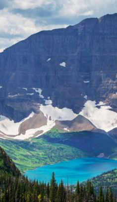 Glacier National Park: Montana's most picturesque wildlife is here. Montana Glacier National Park, Glacier National Park Camping, Glacier Park, Banff National Park, Glacier Montana, Best Places To Camp, Places To Travel, Places To See, National Park Posters