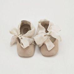 ¿Por qué no hacen zapatos tan bonitos para nosotras?