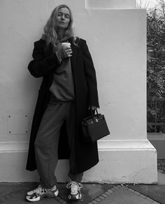 Marie Von Behrens, Ootd, Minimal Fashion, Minimal Style, Instagram Feed, Videos, Fashion Beauty, Personal Style, Duster Coat