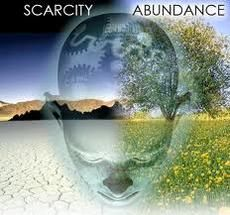 The Psychology of Scarcity | Psychology Today ... A scarcity mindset narrows our time frame, causing us to make impulsive, short-term decisions that increase our difficulties in the long-term, like putting off paying credit card bills or not opening the envelopes, hoping they will magically disappear.