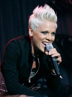 Collectible Gallery | The Official P!nk Site