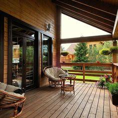 Открытая деревянная терраса #дача #дом #дизайн #декор #интерьер #идея #дача #дом #дизайн #декор #идея #Fazzenda