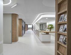 Gallery of The Gandel Wing Hospital / Bates Smart - 3 Australian Interior Design, Interior Design Awards, Nurses Station, Hospital Design, Lobby Design, Create Space, Design Process, Wings, Girly