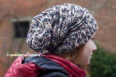 Come fare un berretto all uncinetto di lana alla moda per ragazzi. E  2bc122f69c67