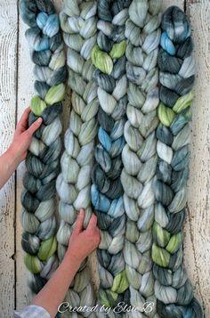 Loch Lomond - Hand dyed Superwash Merino / Bamboo / Nylon combed top. Good for spinning yarn, felting, blending & weaving.