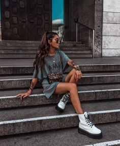 Sunglasses summer fashion style doc martins s. - Sunglasses summer fashion style doc martins s… – Doc Martins, Mode Outfits, Trendy Outfits, Fashion Outfits, School Outfits, Fashion Clothes, Uk Fashion, Teal Outfits, Summer Outfits