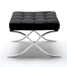 Barcelona ottoman by knoll. Original: by Ludwig Mies van der Rohe. Design Furniture, Modern Furniture, Furniture Chairs, Contemporary Design, Modern Design, Minimal Design, Bauhaus Furniture, Ludwig Mies Van Der Rohe, Elements Of Design