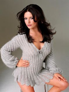 CELEBS NUDE: Catherine Zeta Jones