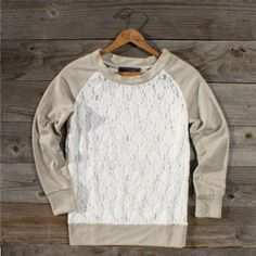 Sweatshirt refashion lace t shirts Ideas Sweatshirt Refashion, Lace Sweatshirt, Lace Sweater, Sweatshirt Makeover, Diy Shirt, Tee Shirts, Diy Clothing, Sewing Clothes, Diy Clothes Accessories