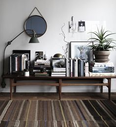 Decor Aid's award-winning interior designers create luxurious interiors for any budget. Free In-home interior design consultation, huge discounts on furniture, renovation services and unrivaled customer service. Interior Stylist, Home Interior Design, Interior Decorating, Nordic Interior, Minimalist Interior, Decorating Ideas, Decor Ideas, Modern Interior, Minimalist Room