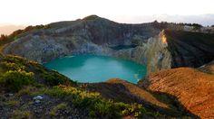 Danau Kelimutu, NTT – Danau Tiga Warna yang Keren