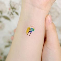 Adventure Time with Finn & Jake Mini Tattoos, Body Art Tattoos, Small Tattoos, Pretty Tattoos, Cool Tattoos, Tatoos, Adventure Time Tattoo, Jake Adventure Time, Henna Inspired Tattoos