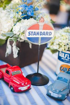 Trendy Baby Shower Ideas For Boys Themes Vintage Cars Ideas Vintage Car Party, Baby Shower Vintage, Table Vintage, Vintage Cars, Vintage Birthday, Vintage Ideas, Car Themed Parties, Cars Birthday Parties, Adult Birthday Party