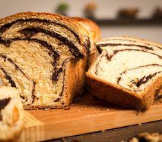 Reteta de cozonac cu cacao si nuca – reteta pentru incepatori   Cozonacul Dolofan Mai, Bread, Kitchens, Brot, Baking, Breads, Buns